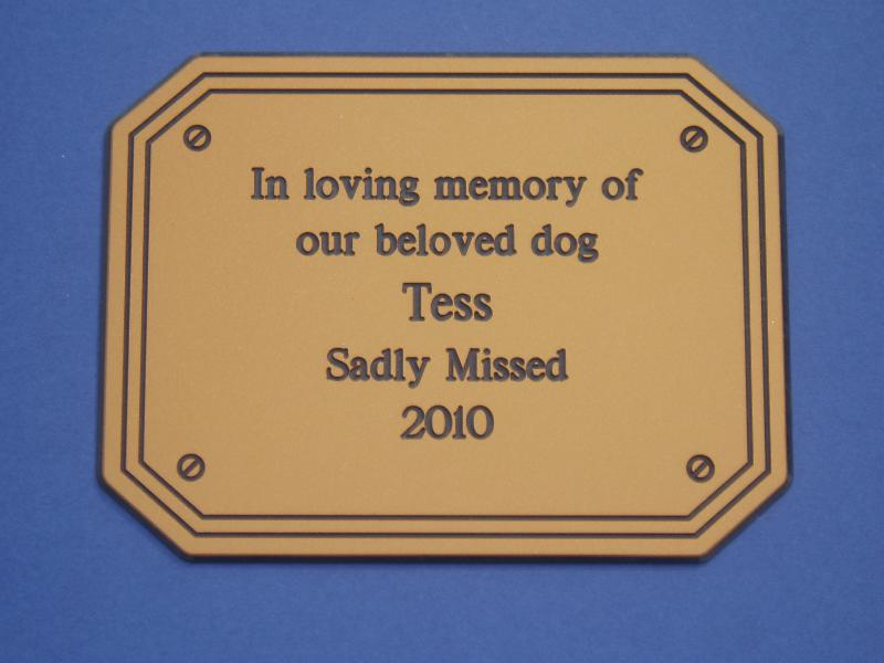 Laminate dog memorial sign